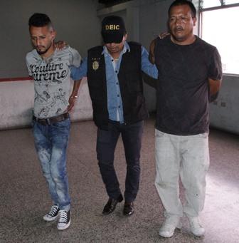 Hombres se hicieron pasar por investigadores, robaron a familia y después los extorsionan. (Foto Prensa Libre: Cortesía PNC)