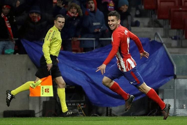 Ángel Correa anotó el gol que le dio el triunfo al Atlético de Madrid frente al Valencia el pasado fin de semana. (Foto Prensa Libre: EFE)