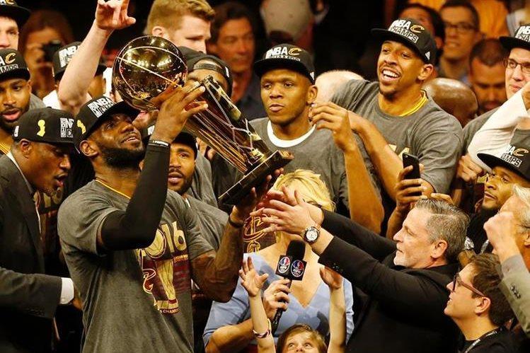Lebron James fue el guía de los Cavalieres para ganar el título de la NBA. (Foto Prensa Libre: Hemeroteca)