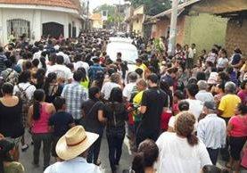 Lugar donde se llevó a cabo el velatorio de docente, en Chiquimulilla, Santa Rosa. (Foto Prensa Libr: Oswaldo Cardona).