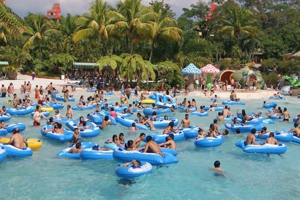 efectivo acompañantes independientes Deportes acuáticos