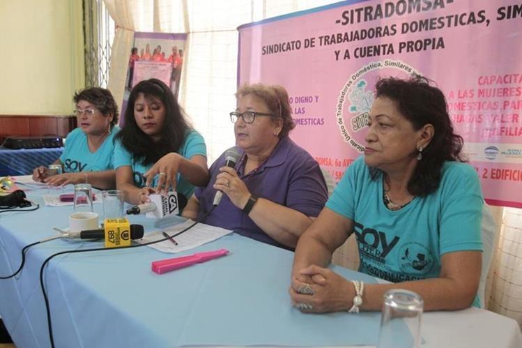 Sindicato de Trabajadoras Domésticas pide respeto a sus derechos. (Foto Prensa Libre: Carlos Hernández)