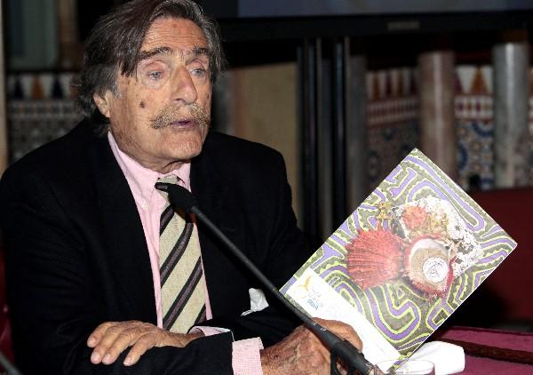 Miguel de la Quadra-Salcedo, reportero y deportista, impulsor de la Ruta Quetzal.(EFE).