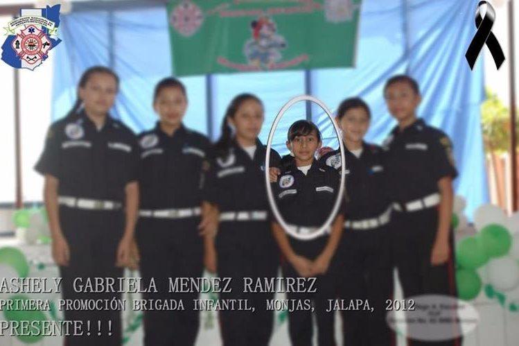 Fotografía que han hecho circular los Bomberos Municipales Departamentales en donde se ve a la niña Ashley Méndez Ramírez. (Foto: BMD)