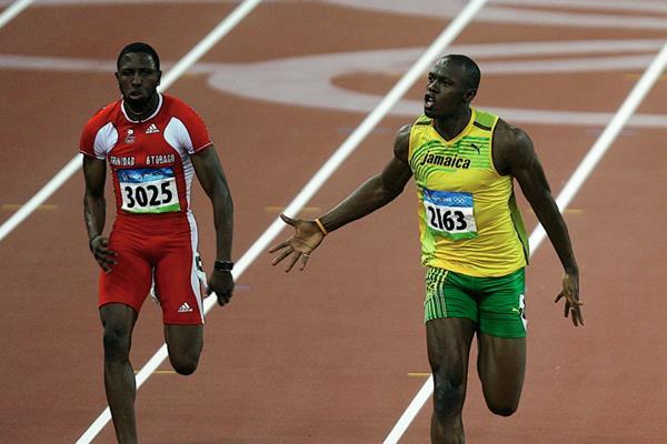 Usain Bolt —derecha— participará por primera vez en una competencia en Nueva York. (Foto Prensa Libre: AP)