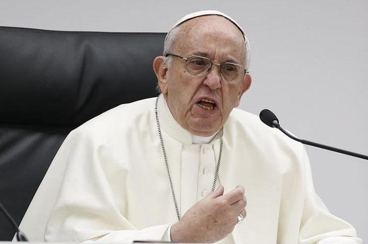 Los hombres que pagan por tener intimidad son unos criminales: Papa Francisco