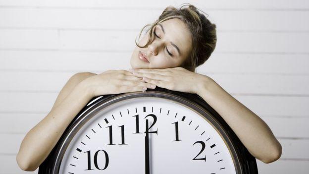 Cada 25 segundos el cerebro y el corazón se preparan para un posible despertar, y en los 25 segundos siguientes, el cuerpo descansa bien.
