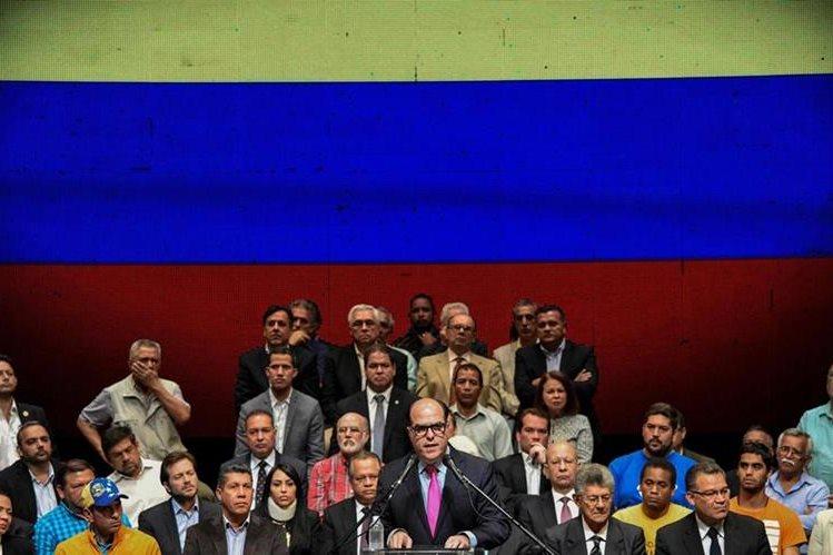 La oposición venezolana convocó hoy para el 16 de julio un referrendo contra la Constituyente. (EFE).