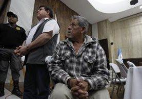 Teniente Esteelmer Reyes y el excomisionado militar Heriberto Valdez Asij condenados 120 y 240 años.(Foto Prensa Libre: Paulo Raquec)