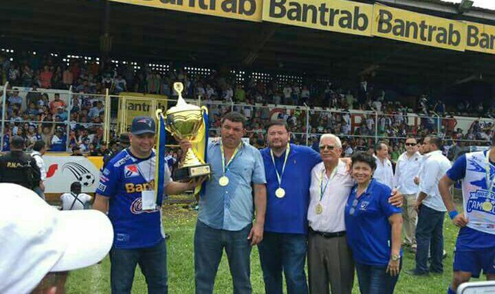 El dirigente Amílcar Alvarado anunció su salida del plantel para diciembre próximo. (Foto Hemeroteca PL).