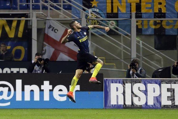 Icardi celebra luego de anotarle al Torino. (Foto Prensa Libre: AP)