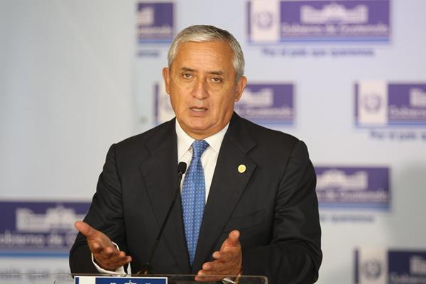 Renuncia el presidente de Guatemala, Otto Pérez Molina, acusado de corrupción