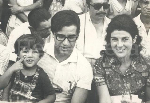 Manuel Colom y su hijo Rodolfo durante un acto público. (Foto: Hemeroteca PL)