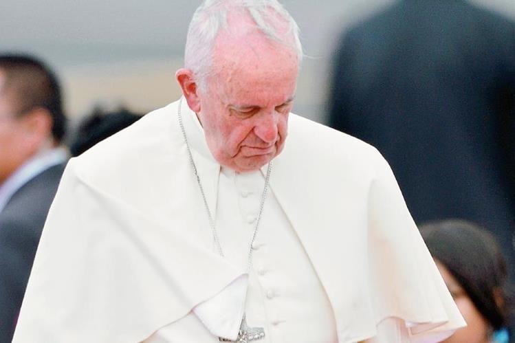 Los conservadores católicos han manifestado su desconformidad con el estilo y énfasis del Papa. (Foto Prensa Libre: AFP).