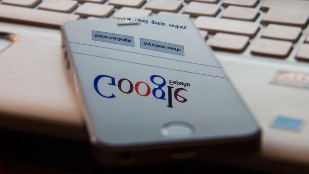 En el pasado, Google ha sufrido caídas de apenas cinco minutos que han levantado la ira de muchos. ¿Qué ocurriría durante un apagón global de más tiempo? GETTY IMAGES