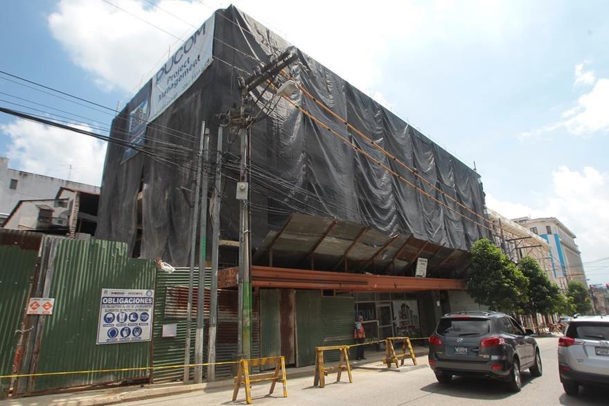 Fachada del edificio del antiguo cine Lido, ubicado en la 11 calle y 7a. avenida de la zona 1. (Foto Prensa Libre: Álvaro Interiano)