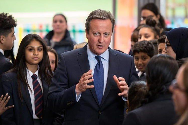 Cameron preside su último gabinete como primer ministro británico luego de verse obligado a dimitir por el triunfo del brexit. (Foto Prensa Libre: AFP).