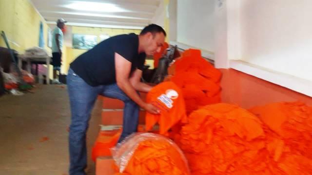 Byron Lima tuvo un gran emporio textil dentro de la prisión, fabricó playeras para diferentes partidos políticos. (Hemeroteca PL)