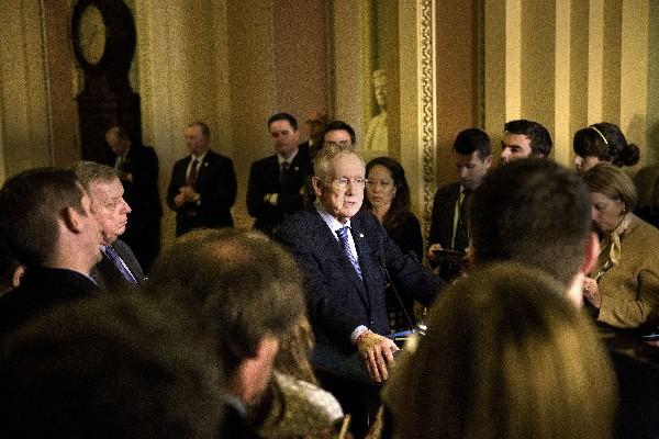 Harry Reid habla sobre el apoyo a las medidas migratorias de Obama.