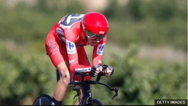 Si bien su especialidad son las pruebas de contrarreloj, Froome ha demostrado que es un excelente escalador con un estilo de pedaleo único. (BBC Mundo)