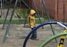 En la 8a. avenida, zona 12 se halla el parque infantil Virgilio Barco, el cual necesita mejoras. (Foto Prensa Libre: Carlos Hernández).