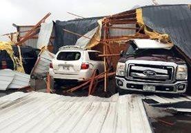 El paso de un tornado causó daños a una vivienda en Colorado, EE.UU. (AP).