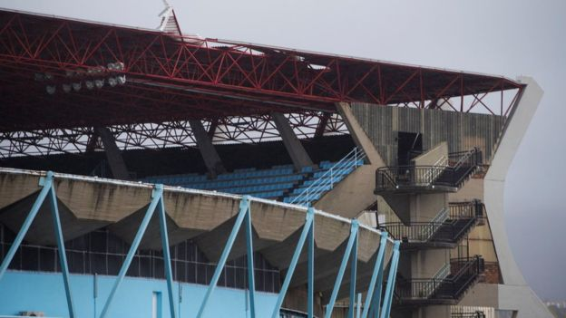 El temporal afectó el techo de los estadios Balaídos en Vigo (foto) y Riazor en La Coruña.(Getty Images)