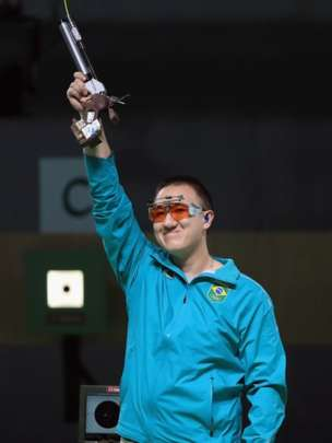 Wu Felipe Almeida logró la medalla de plata para Brasil en la disciplina de tiro de 10 metros. (Getty Images)