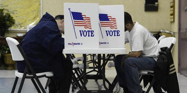 Los votantes hispanos participaron en las primarias en Estados Unidos.(AP).