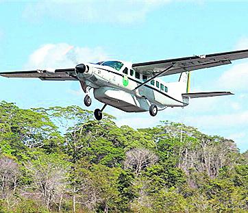 (Imagen de referencia). Avioneta tipo cessna, como la accidentada en Colombia. (Foto Prensa Libre: Hemeroteca PL).