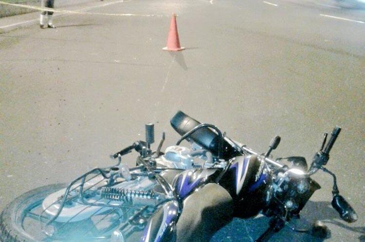 Motorista murió en 30 avenida del Periférico. (Foto Prensa Libre: Amílcar Montejo)