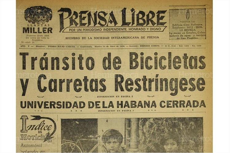 Portada del 24/4/1956 Prensa Libre informó sobre la restricción en la circulación de bicicletas y carretas. (Foto: Hemeroteca PL)