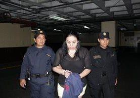 Christa Eugenia María Castañeda Torres fue detenida en un sector de la zona 9. (Foto Prensa Libre: PNC)
