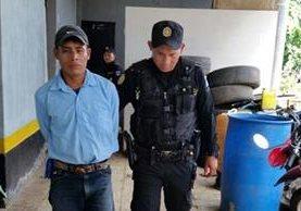 Ronaldo Osiel Ramírez es el presunto asaltante capturado en El Asintal, Retalhuleu. (Foto Prensa Libre: Jorge Tizol).