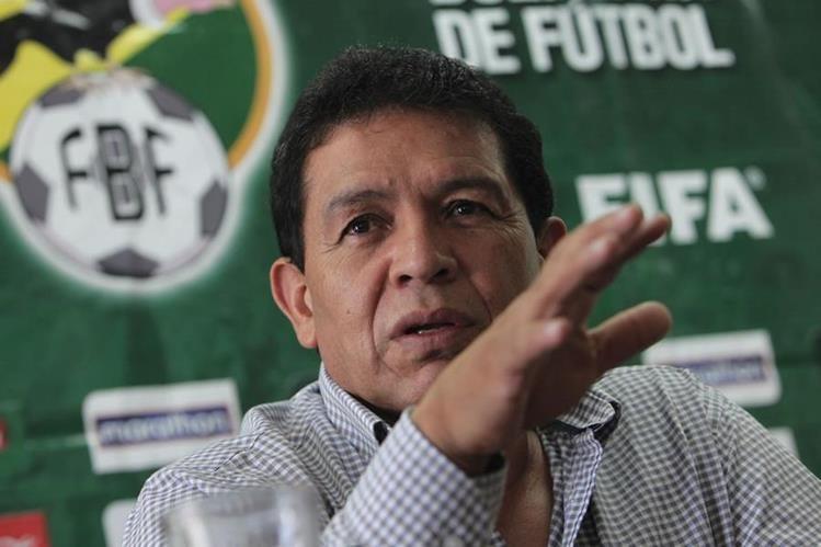 El presidente de la Federación Boliviana de Fútbol, Rolando López, fue detenido este lunes or kas autoridades. (Foto Prensa Libre: Hemeroteca)