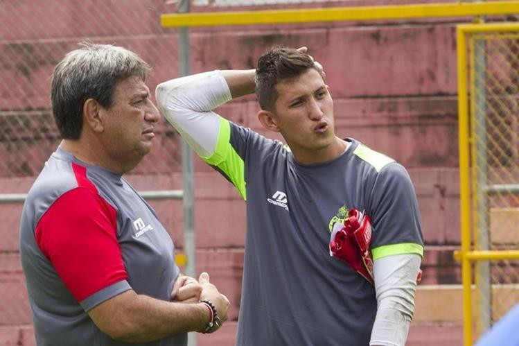 El guardameta nacional Ábner Úbeda se ejercita con los rojos en esta nueva temporada. (Foto Prensa Libre: Norvin Mendoza)
