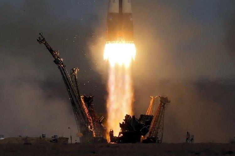 Nave rusa Soyuz despega rumbo a la Estación Espacial Internacional