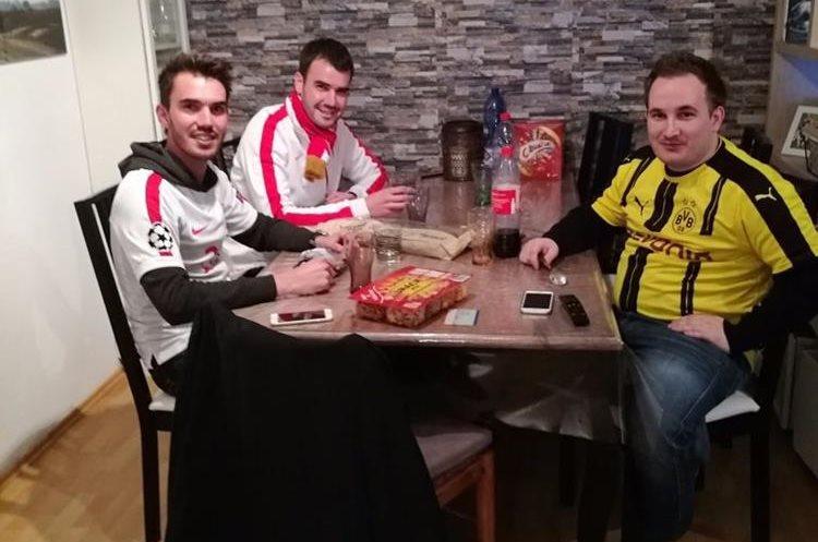 Los aficionados de Alemania han alojado a los del AS Mónaco para que puedan asistir mañana al juego. (Foto Prensa Libre: Twitter)