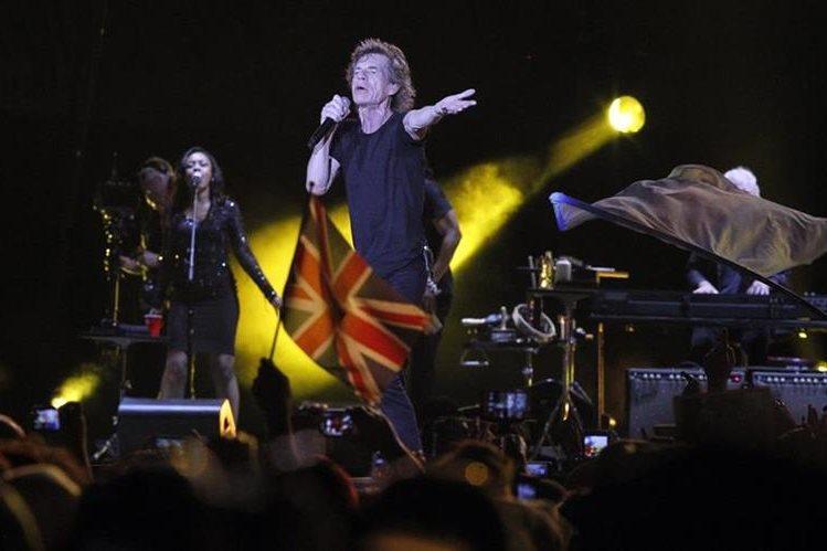 Mick Jagger se dirigó al público en perfecto español durante el concierto gratuito de su banda en Cuba.