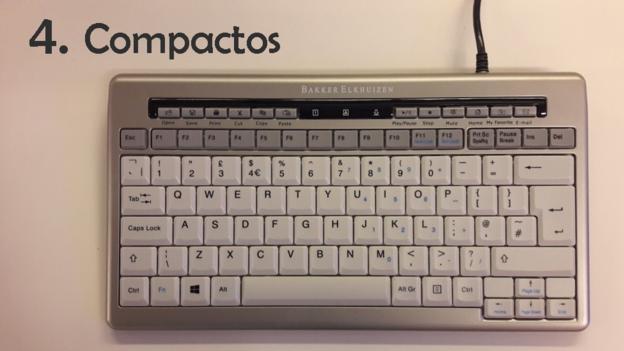 Al eliminar el teclado numérico, el teclado compacto permite al usuario mantener el ratón más cerca, en vez de forzarlo a abrir el brazo para alcanzarlo. Al mismo tiempo, reducen el esfuerzo muscular requerido para alcanzar cada tecla.