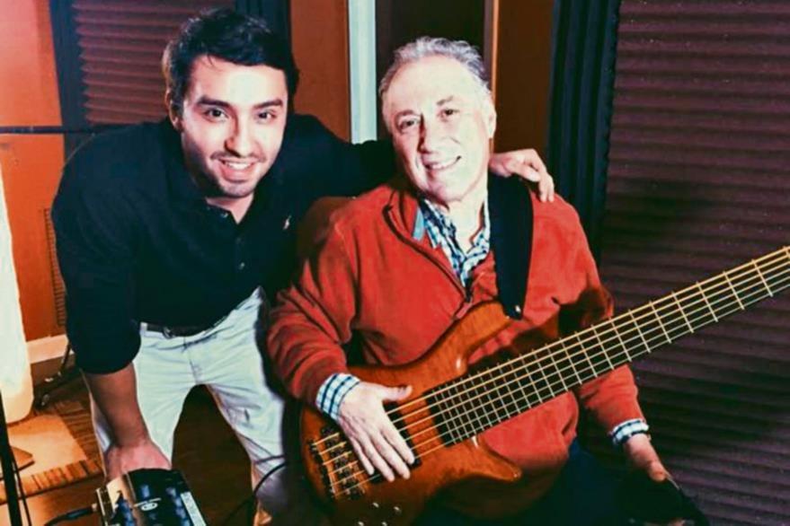 Nico Farias y el peruano Óscar Stagnaro, ganador de Grammys. (Foto Prensa Libre: Cortesía Nico Farias)