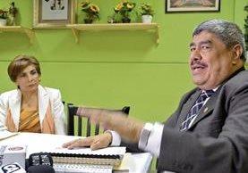 Jefa de la bancada Encuentro por Guatemala, Nineth Montenegro, se reúne con el contralor Carlos Mencos para recibir varias denuncias. (Foto Prensa Libre)