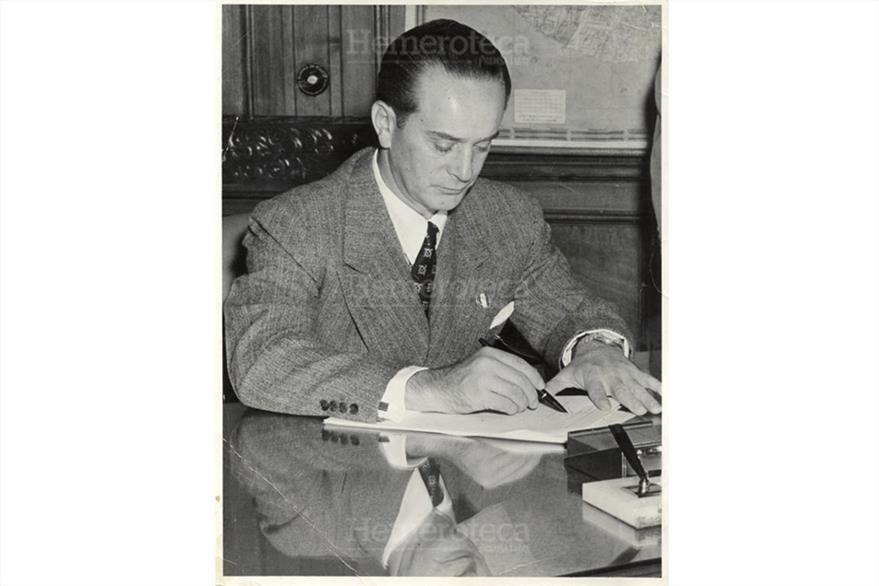 Jacobo Árbenz Guzmán, el año de su caída, en una foto de octubre de 1954. (Foto: Hemeroteca PL)