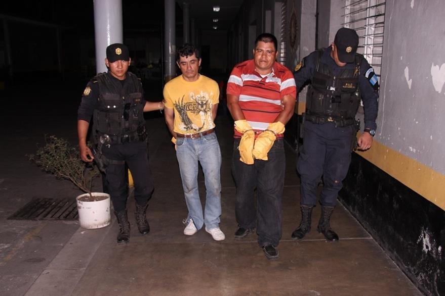 A los sujetos se les sindica de haber atacado a balazos a una mujer en la cabecera de Escuintla. (Foto Prensa Libre: PNC)
