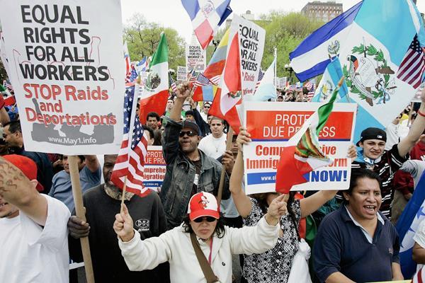 Alrededor de 1.3 millones de cuatemaltecos están en Estados Unidos, la mayoría de manera ilegal. (Foto Prensa Libre: AFP