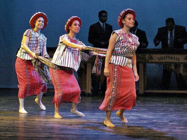 Bailes, talento y belleza se combinarán en el escenario del Teatro Nacional, a partir de hoy.