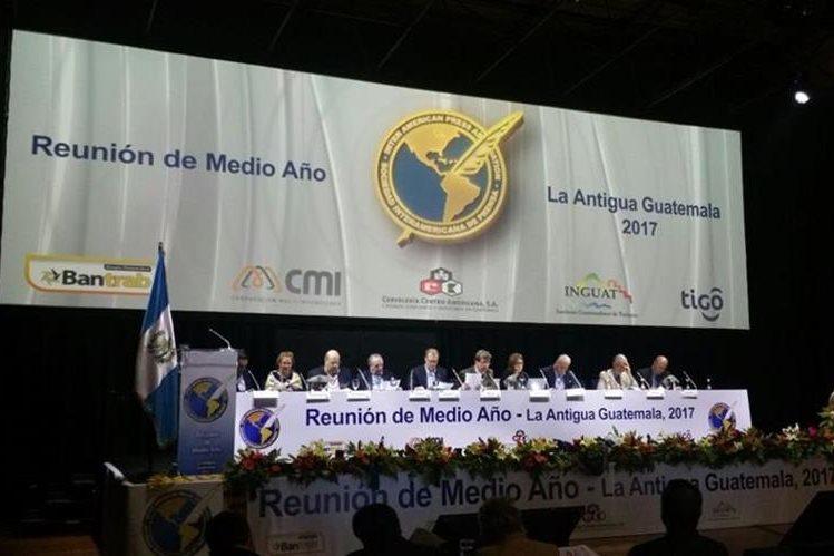 El Sistema Interamericano de Prensa (SIP) efectúa su reunión de medio año en Casa Santo Domingo, Antigua Guatemala (Foto PL: Jessica Gramajo)