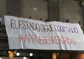 Grupos a favor y en contra de las reformas han mantenido presión contra los diputados. (Foto Prensa LIbre: Hemeroteca PL)