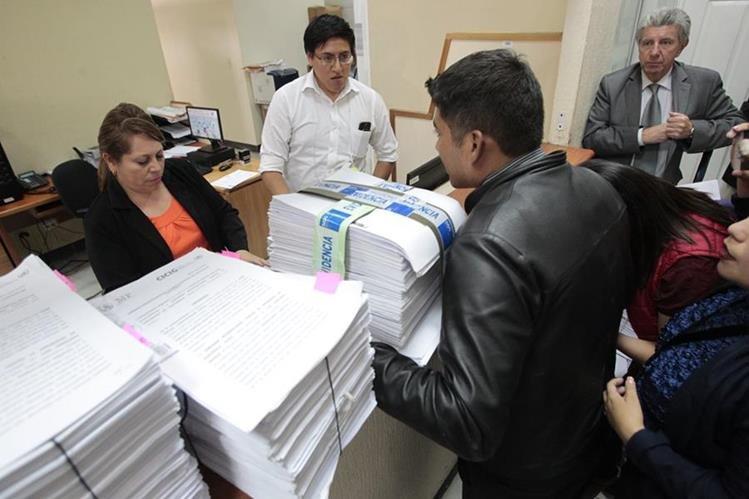 Representantes del MP presentaron la solicitud de antejuicio contra los diputados Orlando Blanco y Roberto Villate, el pasado 24 de agosto. (Foto: Hemeroteca PL)