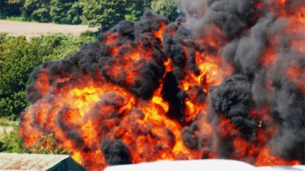 Algunos testigos del accidente en el espectáculo aéreo en Shoreham vendieron las tomas que hicieron con sus teléfonos. EPA